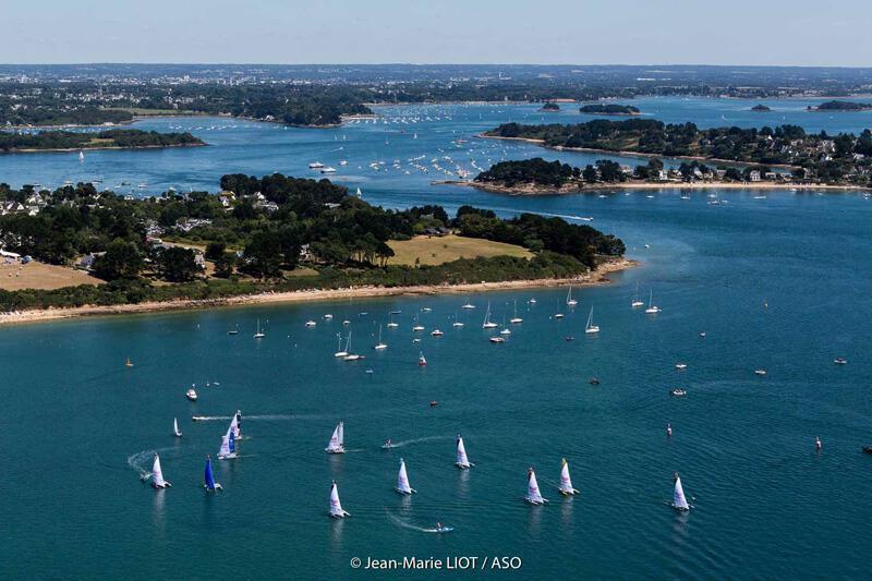 bateaux et paysage tour de France à la voile