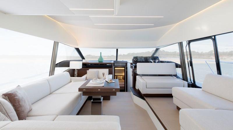 Prestige 520 Flybridge - image 11