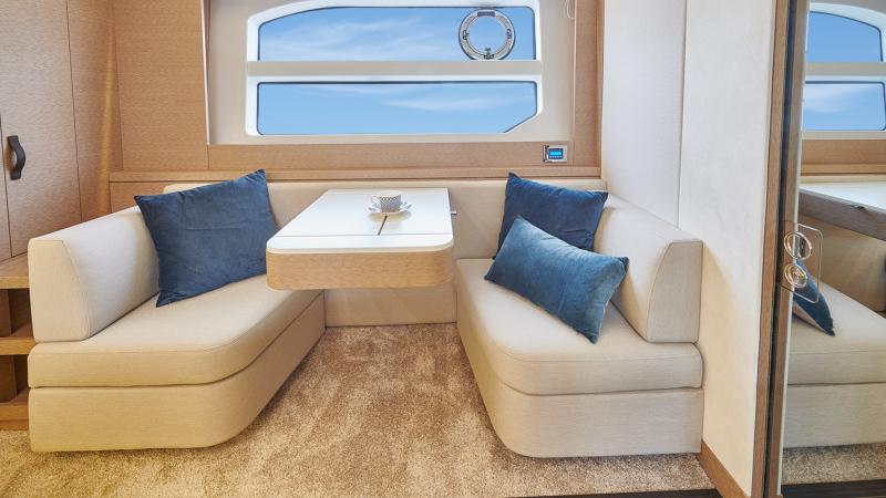 Prestige 590 Flybridge - image 7