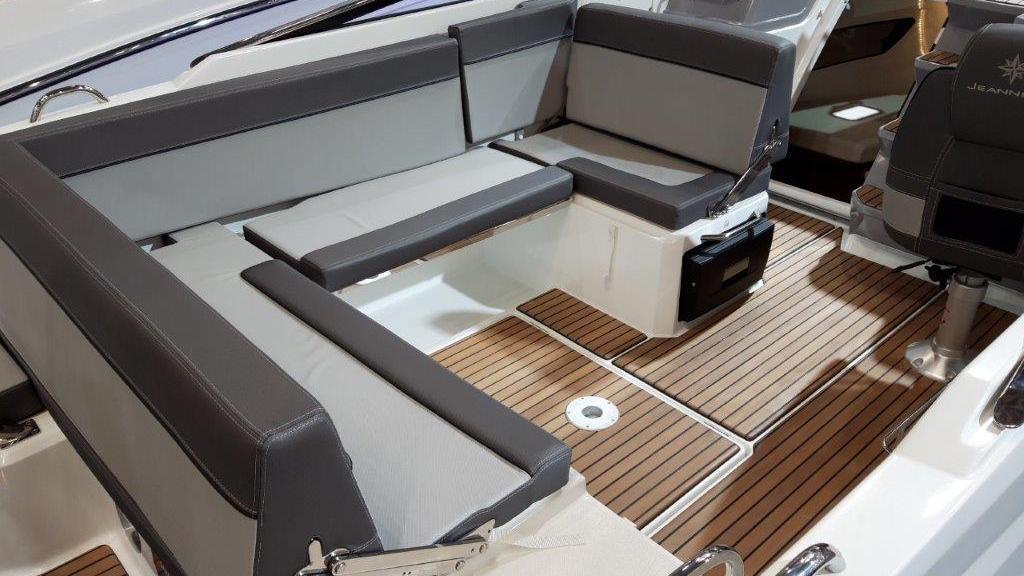 Cap Camarat 7.5 Day Cruiser Série 2 - image 3