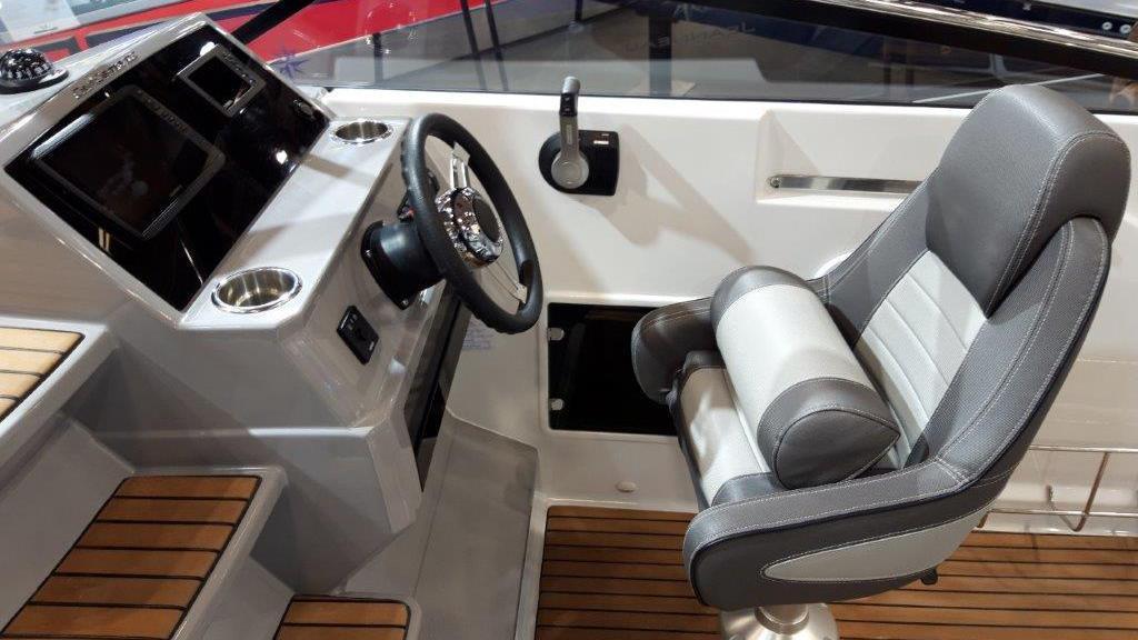 Cap Camarat 7.5 Day Cruiser Série 2 - image 5