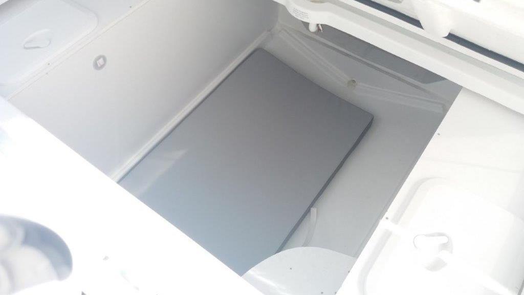 Cap Camarat 9.0 Center Console - image 9