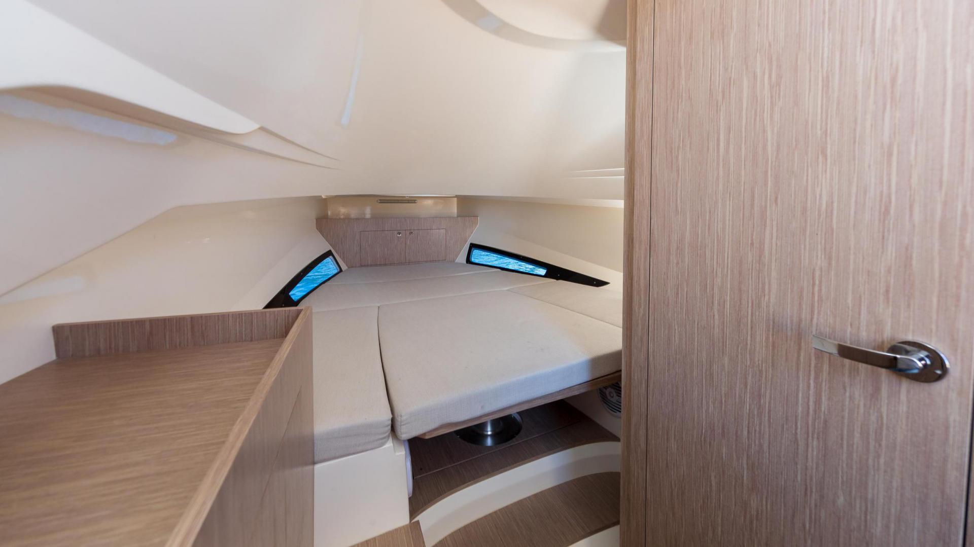 Prince 38 sport cabin - image 5