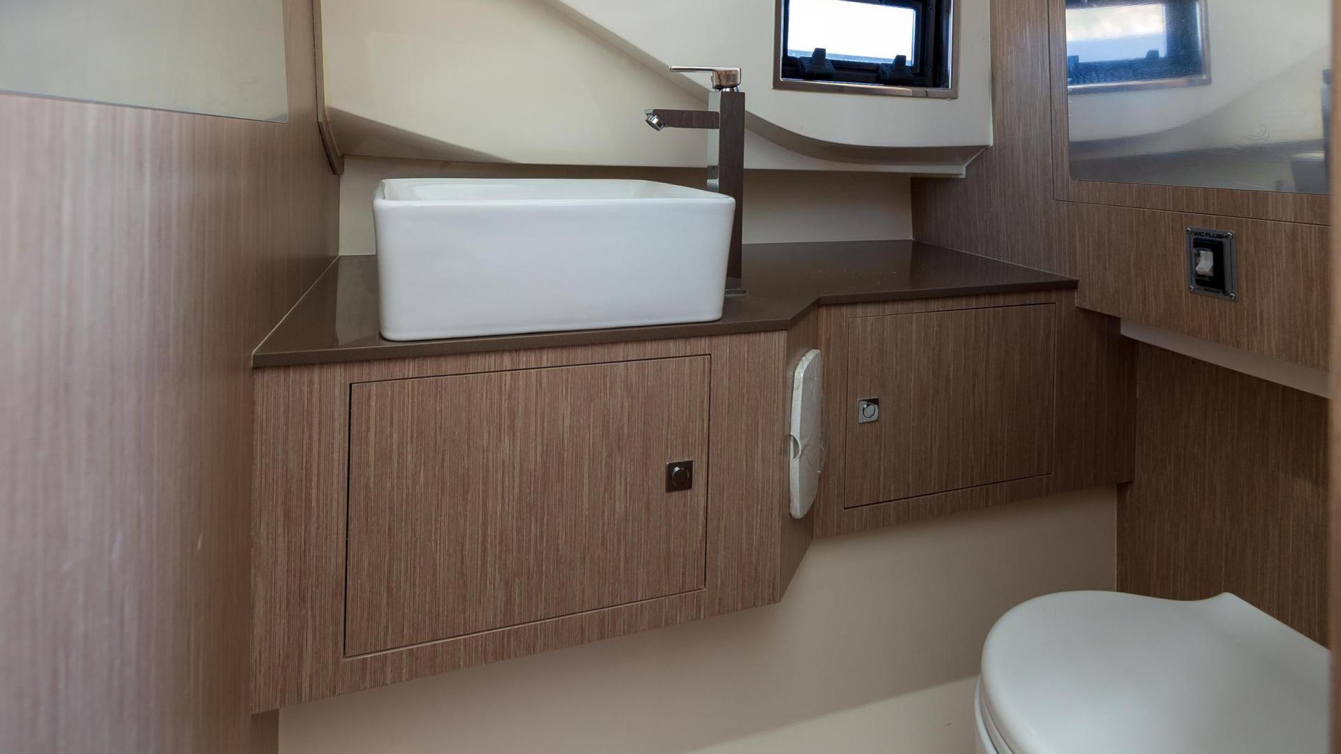 Prince 38 sport cabin - image 6