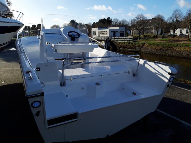 WHITE SHARK - image 11