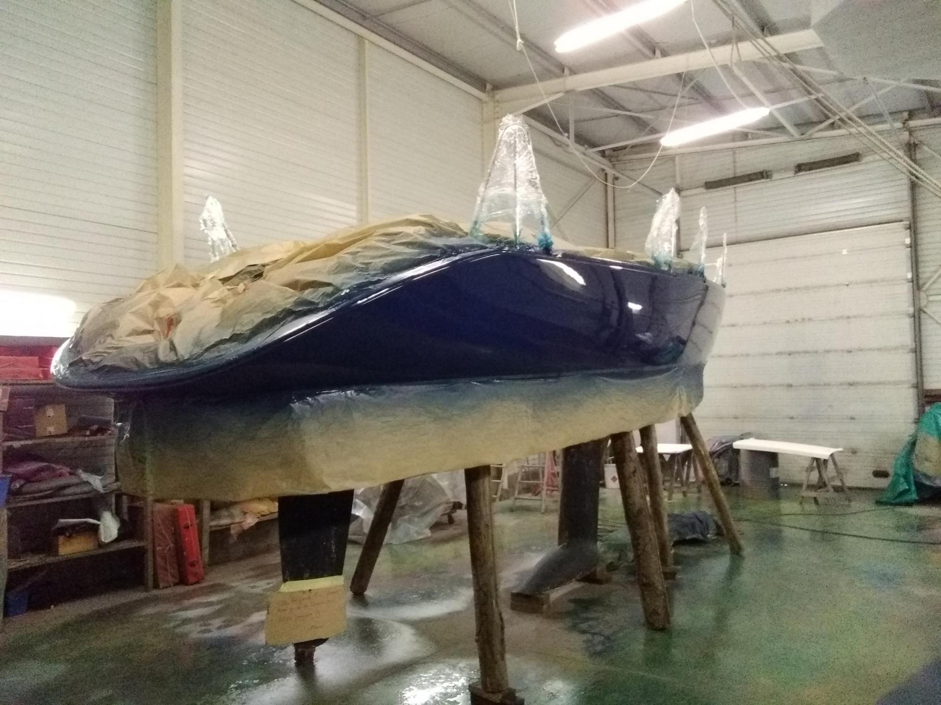 faire une peinture de coque dans le morbihan chantier naval
